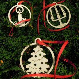 Snehuliak, stromček a gule